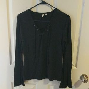 Black Cato top that ties in the front